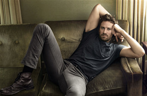 Armie Hammer Famous American Actor Wallpaper