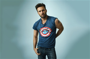 Chris Evans American Actor Tattoo on Bicep HD Wallpaper