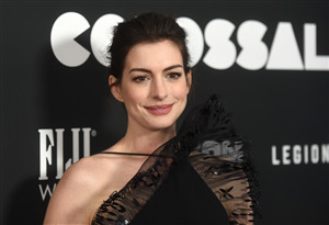 Beautiful Anne Hathaway in Black Dress Wallpapers
