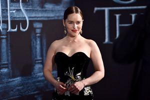 Beautiful Beauty Emilia Clarke in Black Dress HD Wallpaper