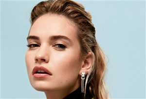 Beautiful Face of Lily James Famous Celebrity