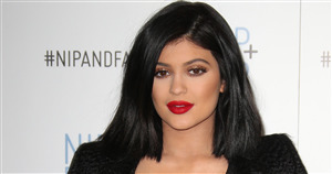 Beautiful Kylie Jenner in Red Lips HD Wallpapers