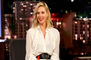 Charlize Theron Cute Smile 2018 HD Wallpapers