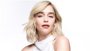 Cute Actress Emilia Clarke 4K Wallpaper