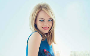Cute Smile of Emma Stone Actress Wallpaper