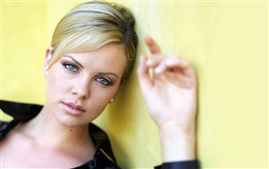 Hollywood Actress Charlize Theron Wallpapers