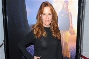 Most Popular American Hollywood Actress Lea Thompson HD Wallpapers