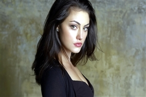 Popular Australian Actress Phoebe Tonkin HD Photo