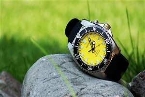 Amazing Best Yellow Black Watch Wallpaper