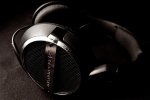 Laptop Headphone Background HD Wallpaper