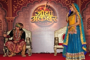 Rajat Tokas and Paridhi Sharma in Colors TV Serial Jodha Akbar Photos