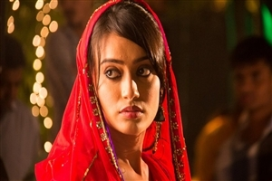 Surbhi Jyoti as Zoya Khan in Hindi TV Serial Qubool Hai Wallpapers