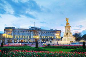 Beautiful Wallpaper of Buckingham Palace in London England