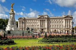 Buckingham Palace in London England HD Photo
