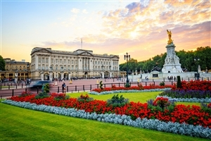 Famous Buckingham Palace in England