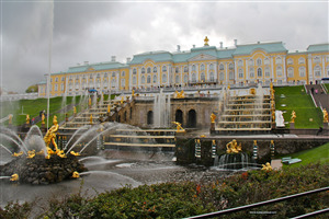 Peterhof Beautiful Tourist Palace in Russia HD Wallpaper