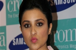 Bollywood Actress Parineeti Chopra HD Wallpapers