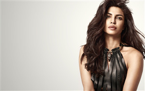 Beauty of Bollywood Priyanka Chopra Pics