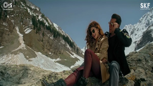 Salman Khan and Jacqueline Fernandez in Race 3 Selfish Song