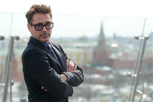 Robert Downey Jr Famous American Actor Wallpaper