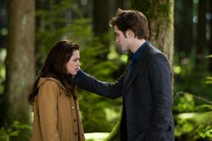 Robert Pattison and Kristen Stewart in New Moon Movie
