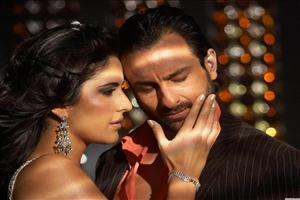 Saif Ali Khan and Katrina in Romance