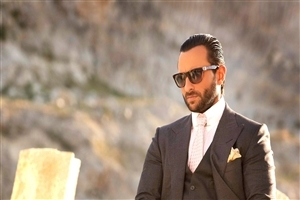 Saif Ali Khan in Goggles Famous Hindi Bollywood Actor Images