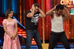 Salman Khan on Jhalak Dikhla Jaa Stage