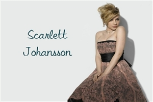 Scarlett Johansson with Beautiful Hair Style and Dress Photo