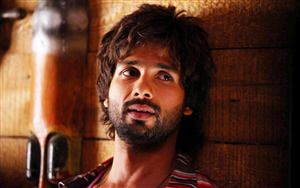 Indian Hero Shahid Kapoor Wallpaper