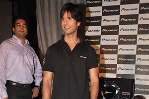Shahid Kapoor Popular Bollywood Actor HD Wallpapers