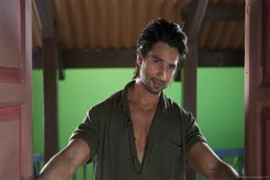 Shahid Kapoor in Green House