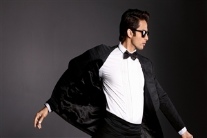 Shahid Kapoor in Sunglasses Photo