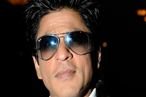 Famous Bollywood Actor Shahrukh Khan in Sunglasses HD Wallpapers