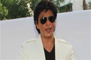 Shah Rukh Khan Famous Bollywood Film Actor in Googles HD Wallpapers