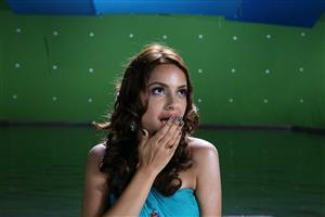 Shazahn Padamsee Gve Flying Kiss