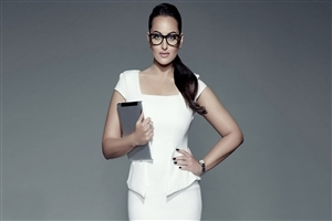 Sonakshi Sinha Bollywood Actress Wallpaper