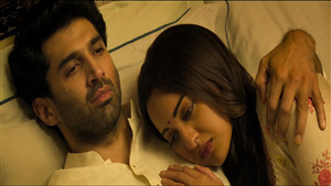 Sonakshi Sinha Love with Aditya Roy Kapur in 2019 Film Kalank