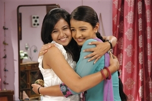 Gunjan and Rachna in Sapne Suhane Ladakpan Ke Zee TV Serial HD Photos