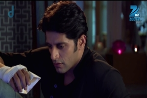 Karanvir Bohra as Aahil Raza Ibrahim in Qubool Hai Indian TV Serial on ZEE TV HD Wallpapers