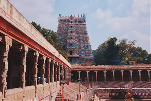 Famous Temple in India Meenakshi Amman Temple