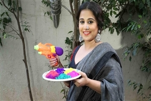 Vidya Balan in Saree with Colors