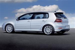 Volkswagen R32 Silver RA Car Wallpaper