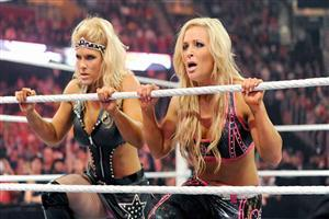 WWE Beth Phoenix and Natalya