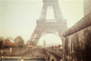 Blur Image of Eiffel Towe Wallpapers