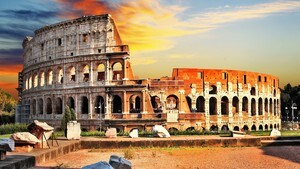 Colosseum Famous Tourist Place in Rome Italy 4K Wallpaper