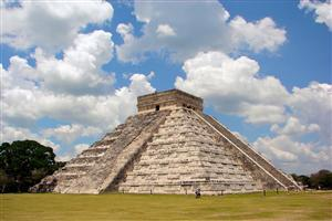 El Castillo Chichen Itza Wonders of World Wallpaper
